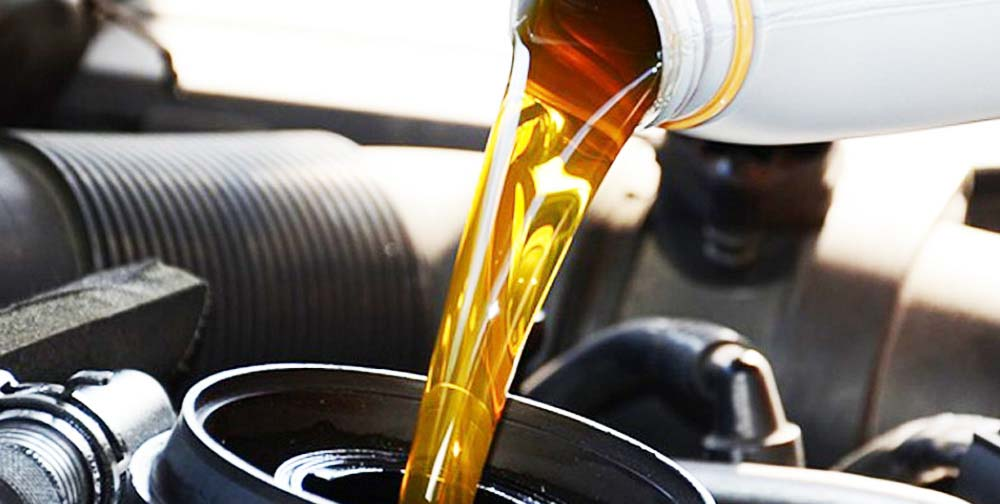 Automotive-and-Industrial-Lubricants-Brake-Fluids-oil